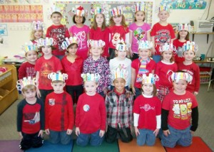 100th day hat pic Dales school salute