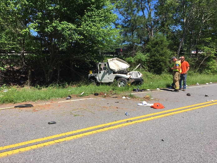 One injured when Jeep runs of I-85 – Rolls onto Frontage